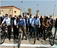 وزير الشباب يشارك فى ماراثون الدراجات بالفيوم