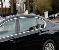 بالصور  الأمير فيليب يغادر المستشفى بعد خضوعه لعملية جراحية في القلب