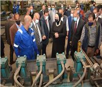 وزيرة الصناعة تتفقد 7 مصانع بمنطقة الشروق الصناعية بالخانكة