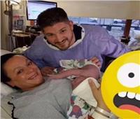 من أجل «الشهرة والمال» شاب ينشر صورة لزوجته أثناء الولادة