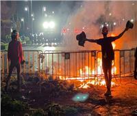 اشتباكات بين الشرطة التايلاندية ومحتجين بالقرب من قصر الملك