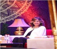 في عيد الأم| نبيلة مكرم.. «وزيرة بـ100 راجل» ومواقف النبيلة