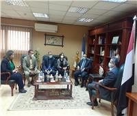 وزير السياحة يبحث مع محافظ الاسكندرية مشروع تطوير الخدمات للسائحين