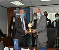 مصر للطيران توقع بروتوكول تعاون لرعاية الاتحاد الخماسي الحديث
