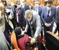 سعفان ومحافظ الدقهلية يسلمان 71 عقد عمل لـ«ذوي الهمم»