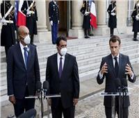 مكافحة الإرهاب على رأس مباحثات الرئيس الفرنسي برئيس المجلس الرئاسي الليبي