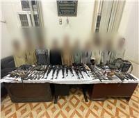 «الأمن العام» يلاحق «المطاريد» ويضبط 12 متهمًا بأسلحة آلية