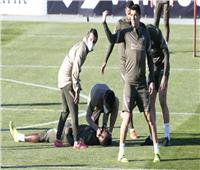 واقعة مؤسفة في مران أتلتيكو.. ديمبيلي سقط مغشيا عليه خلال التدريبات