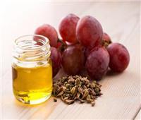 10 فوائد لزيت بذر العنب.. أبرزها مكافحة القشرة