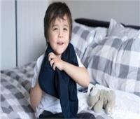 طرق سهلة لتخفيف ملابس الأطفال دون الإصابة بنزلات البرد