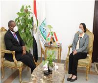 «فؤاد» تبحث مع وزير زراعة بورونديالاستفادة من التجربة المصرية في المخلفات
