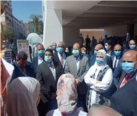 محافظ أسيوط يستقبل وزيرة التضامن تمهيدًا لافتتاح معرض الحرف التراثية| فيديو