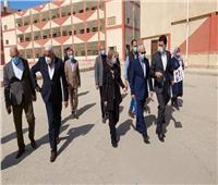 محافظ بورسعيد يتفقد موقع إنشاء المدرسة التكنولوجية الفنية المتقدمة