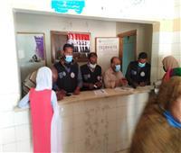 الكشف على ٢٨٢٦ مواطنا خلال القوافل الطبية في قرى أسوان