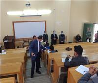 رئيس جامعة دمنهور يتفقد أعمال امتحانات التعليم المدمج بالنوبارية | صور