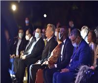 «الأقصر الأفريقي» يبدأ دورته العاشرة بدقيقة حداد على ضحايا قطار سوهاج  صور