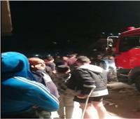 بالفيديو| انهيار عقار مأهول بالسكان في جسر السويس
