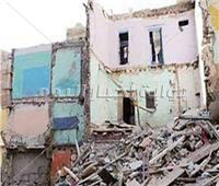 إصابة ربة منزل في انهيار عقار بقرية كوم اللوفي في المنيا