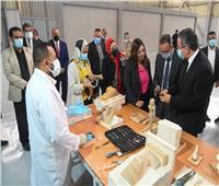 «العناني» يفتتح أول مصنع للمستنسخات الأثرية في مصر والشرق الأوسط