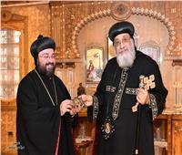 البابا تواضروس يستقبل النائب البطريركي للكنيسة السريانية بمصر