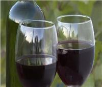 خبراء: النبيذ العائد من الفضاء لم يفقد خصائصه ومذاقه ورائحته