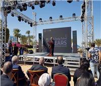 خلال فعاليات مسابقة رالي ريادة الأعمال.. تكريم رئيس جامعة حلوان