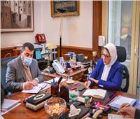 وزيرة الصحة: 1000 سيارة إسعاف لدعم المشروع القومي لتطوير الريف المصري