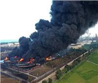 حريق ضخم بأكبر مصفاة نفط بإندونيسيا