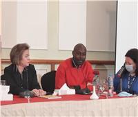 الأقصر الأفريقي يحتفل بتوقيع كتاب «10 سنوات من الخيال والسينما»