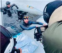 رقم قياسي جديد في السباحة تحت الجليد 175 متر في 3 دقائق