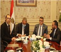 إنشاء وحدة لحقوق الإنسان في كل وزارة ومحافظة