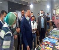 رئيس جامعة الأقصر يتفقد مشاريع الطلاب بكلية الفنون الجميلة