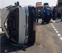 إصابة سائق وعامل في حادث تصادم بالمنيا