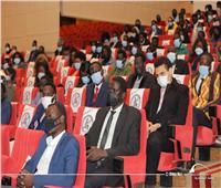 الطلاب الأفارقة في حوار مع وزيرة البيئة بمكتبة الإسكندرية