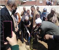 وكيل تعليم الإسماعيلية يدشن مبادرة «مدرستي خضراء مثمرة»| صور