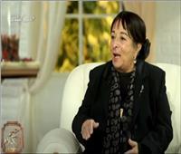 الفنانة سميرة عبد العزيز: تزوجت في تونس شفويًا بدون توثيق  فيديو