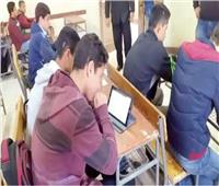 «الفتنة» تشتعل بين الامتحانات الورقية والإلكترونية