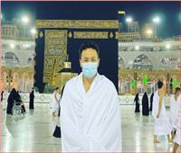 حمادة هلال يؤدي مناسك «العمرة»