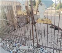أطلال قصور الثقافة  قصر الأخصاص بالمنيا «بؤرة» لتجميع القمامة.. فيديو