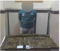 القبض على 5 تجار مخدرات بحوزتهم 60 طربة حشيش