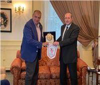 الزمالك يكرم سفير مصر في الجزائر