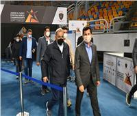 وزير الرياضة يطمئن على استعداد الصالات المغطاة بإستاد القاهرة