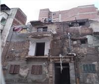 إزالة عقار مُعرض للانهيار غرب الإسكندرية  صور