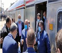 محافظ المنيا يستقبل وزير النقل ويتفقدان محطة السكة الحديد