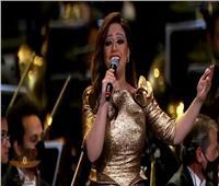 ريهام عبد الحكيم تُغني أمام الرئيس تزامنًا مع انتقال المومياوات