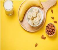 عصائر رمضان| طريقة تحضير كوكتيل الموز بحليب اللوز في المنزل