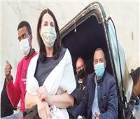 مدير اليونسكو بالحنطور على كورنيش الإسكندرية