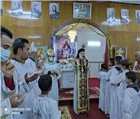 «الأنبا باسيليوس» يترأس قداس المناولة الإحتفالية لكنيستي الحواصلية