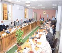 مجلس جامعة سوهاج يوافق على إعتماد برامج جديدة بكلية العلوم