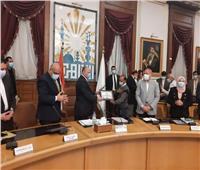 محافظ القاهرة يكرم المشاركين في رفع كفاءة مسار المومياوات الملكية